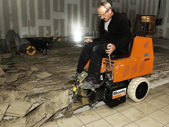 Carpet/Floor Stripper, Ride-On, Battery
