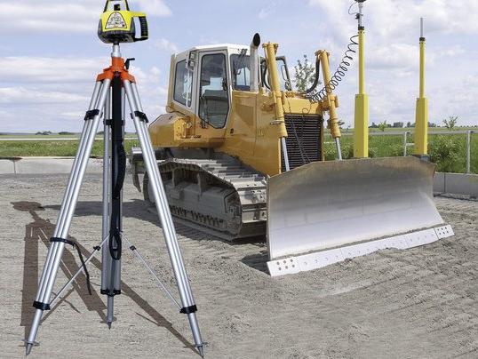 Tripod, height-adjustable, 4 m