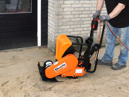 Plate compactor 14 kn / 80 kg electric
