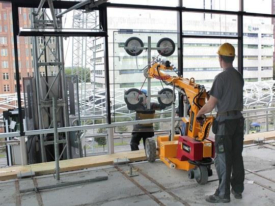 Assembly Robot With Vacuum Unit, 380 Kg