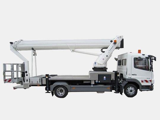 Nacelle À Bras Télescopique 27 M Sur Camion