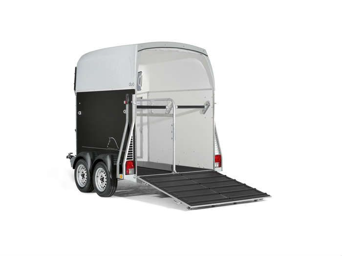 Van trailer for horses (2) (1)
