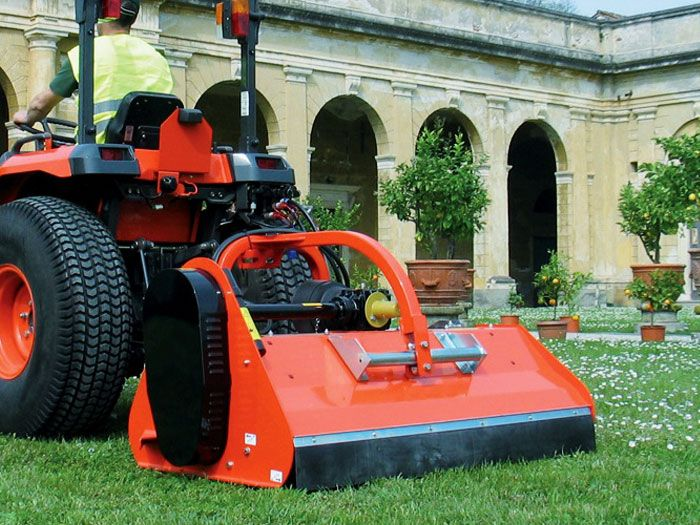 Flail mower for a locamat tractor (1)